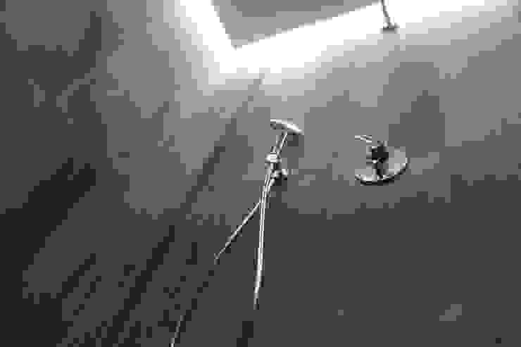 квартира в Москве на Поварской ул Ванная комната в стиле модерн от YURTOV STUDIO Модерн
