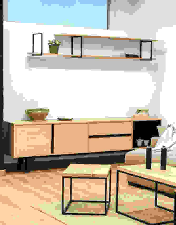 Mueble, estantería y mesas nido para salón en madera maciza y acero:  de estilo industrial de Cube Deco, Industrial