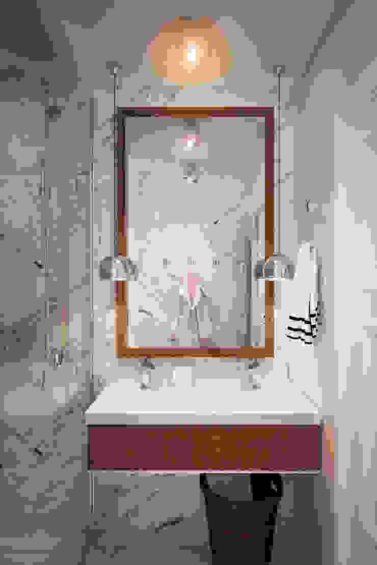 Квартира на Богатырском Ванная комната в стиле минимализм от Geometrium Минимализм