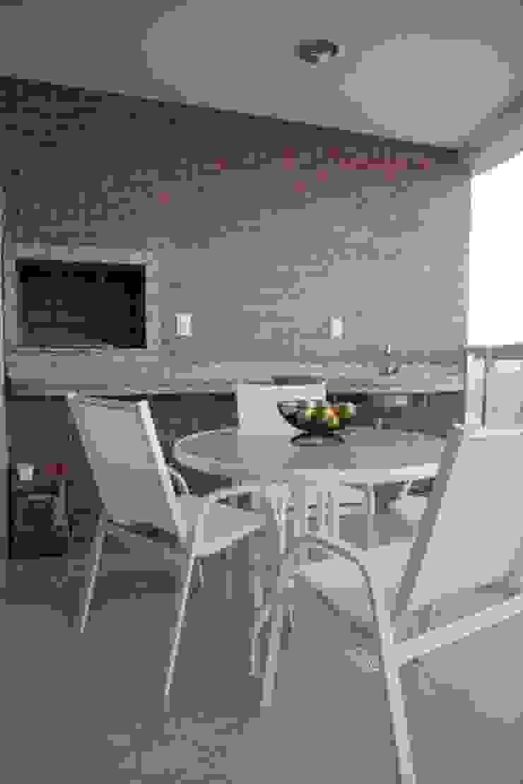 Projeto arquitetônico do apartamento decorado do Porto Atlantico. Varandas, alpendres e terraços ecléticos por ArchDesign STUDIO Eclético