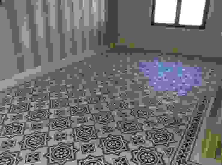 Salones Paredes y suelos de estilo clásico de Suelos Hidráulicos Demosaica Clásico