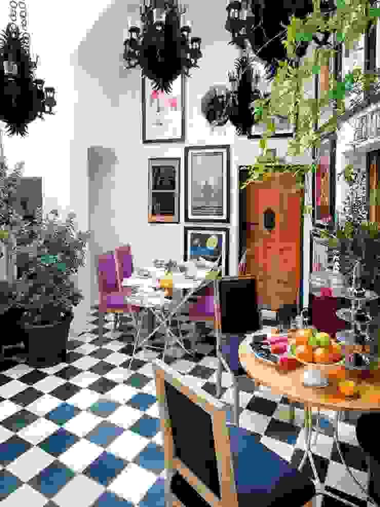 Salones Comedores de estilo clásico de Suelos Hidráulicos Demosaica Clásico