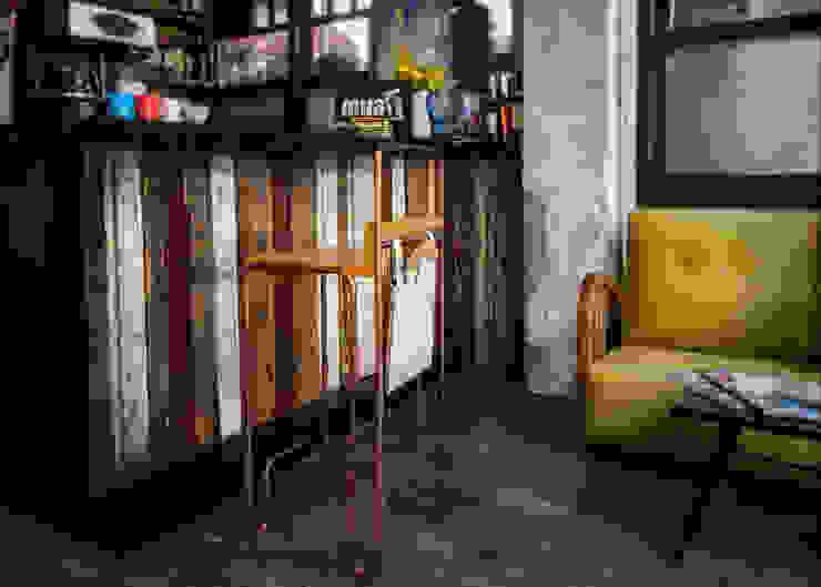 Lab::istanbul – Droop Bar Taburesi:  tarz Yemek Odası,