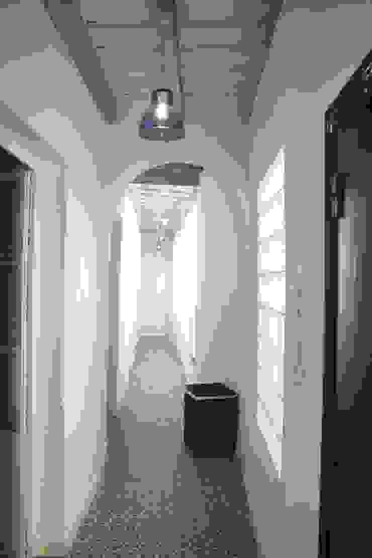 Salones Salones de estilo clásico de Suelos Hidráulicos Demosaica Clásico