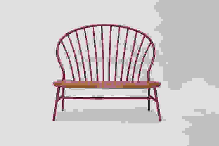 Bamboo Windsor Settee: modern  door Bo Reudler Studio, Modern