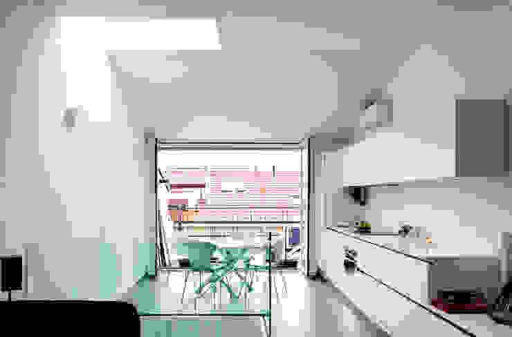 Piano Alto - Soggiorno Openspace (continuità con terrazza esterna) Soggiorno minimalista di PLANAIR ® Minimalista