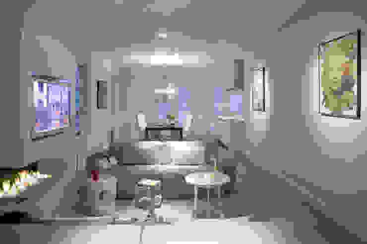Woonhuis Bergen Minimalistische woonkamers van By Lenny Minimalistisch