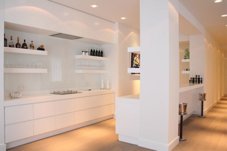 By Lenny Minimalist kitchen