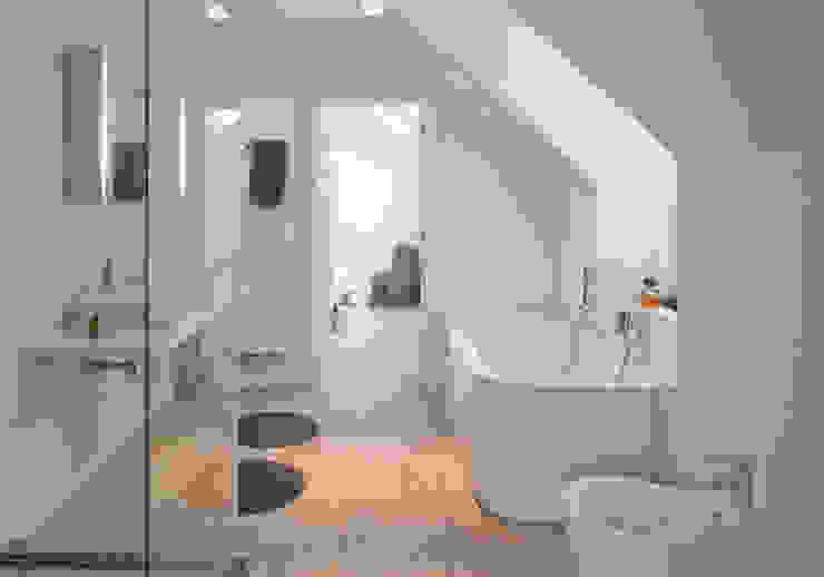 Woonhuis Bergen Minimalistische badkamers van By Lenny Minimalistisch