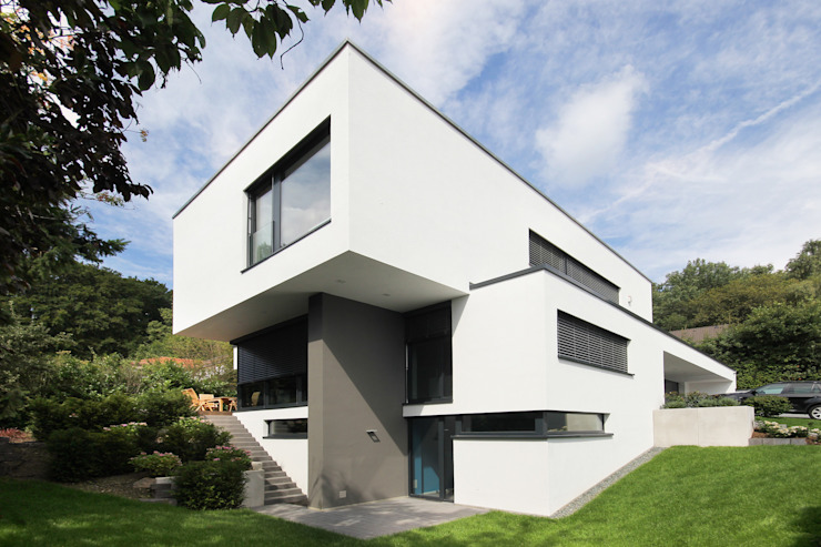 Moderne huizen van FLOW.Generalunternehmer Modern