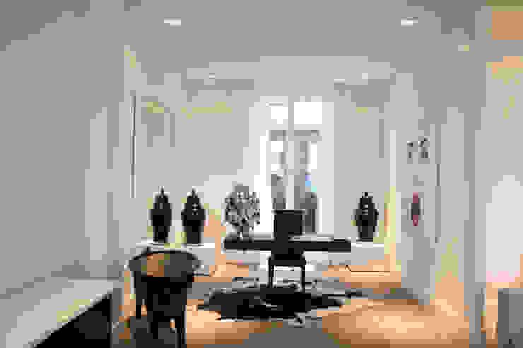 Model appartement Antwerpen, België Moderne studeerkamer van By Lenny Modern