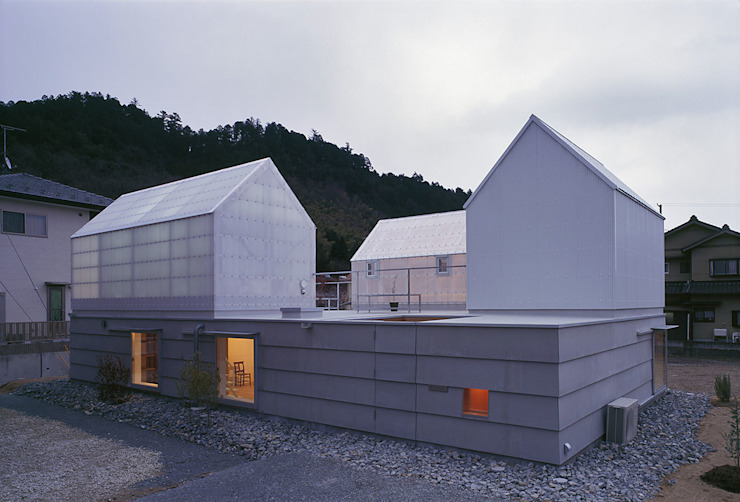 Houses by 島田陽建築設計事務所/Tato Architects, Eclectic