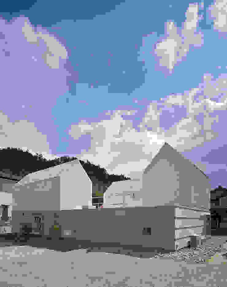 House in Yamasaki Ausgefallene Häuser von 島田陽建築設計事務所/Tato Architects Ausgefallen