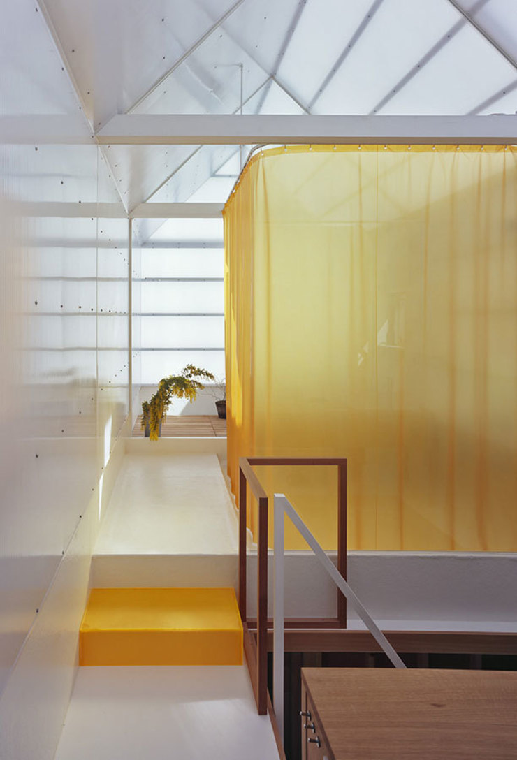 House in Yamasaki Eclectic corridor, hallway & stairs by 島田陽建築設計事務所/Tato Architects Eclectic
