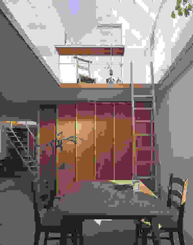 House in Yamasaki Ausgefallene Esszimmer von 島田陽建築設計事務所/Tato Architects Ausgefallen