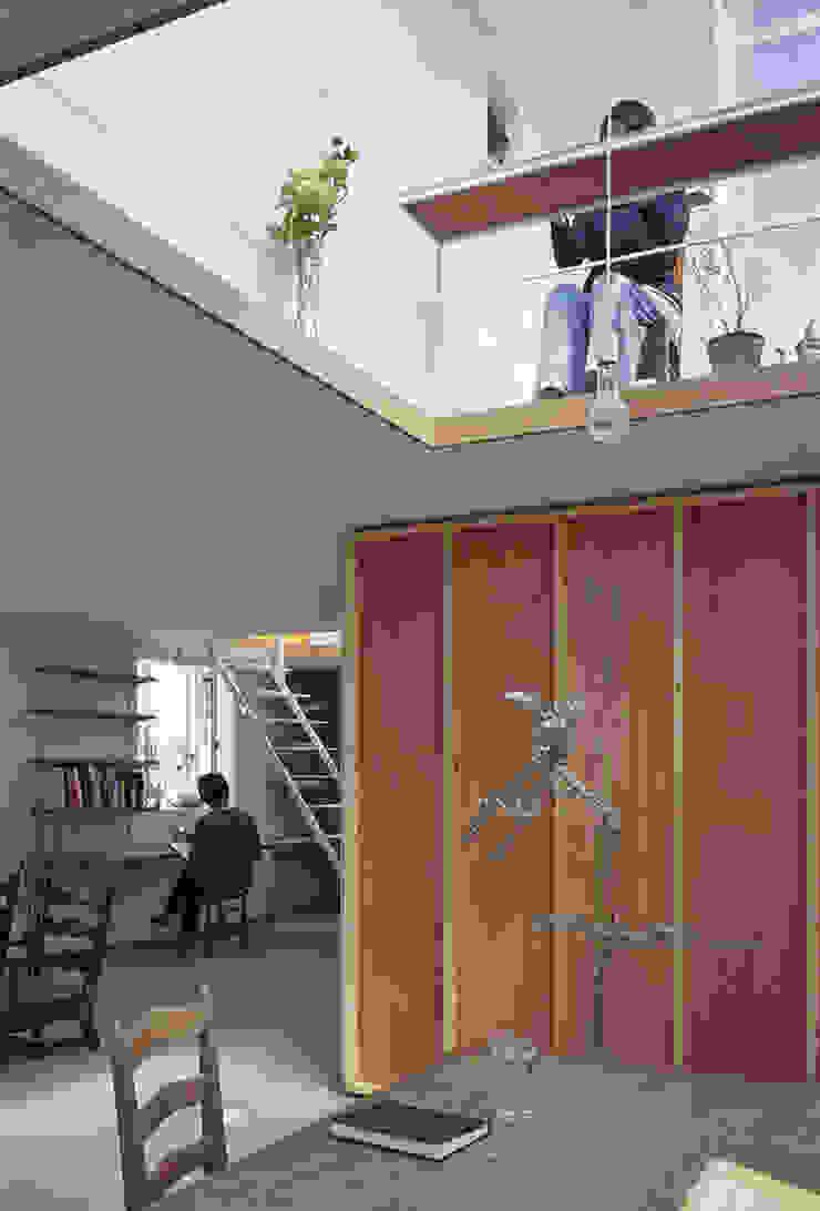 House in Yamasaki Bureau original par 島田陽建築設計事務所/Tato Architects Éclectique