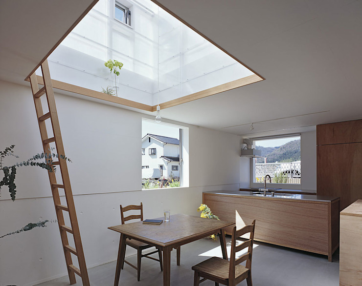House in Yamasaki Eclectic style dining room by 島田陽建築設計事務所/Tato Architects Eclectic