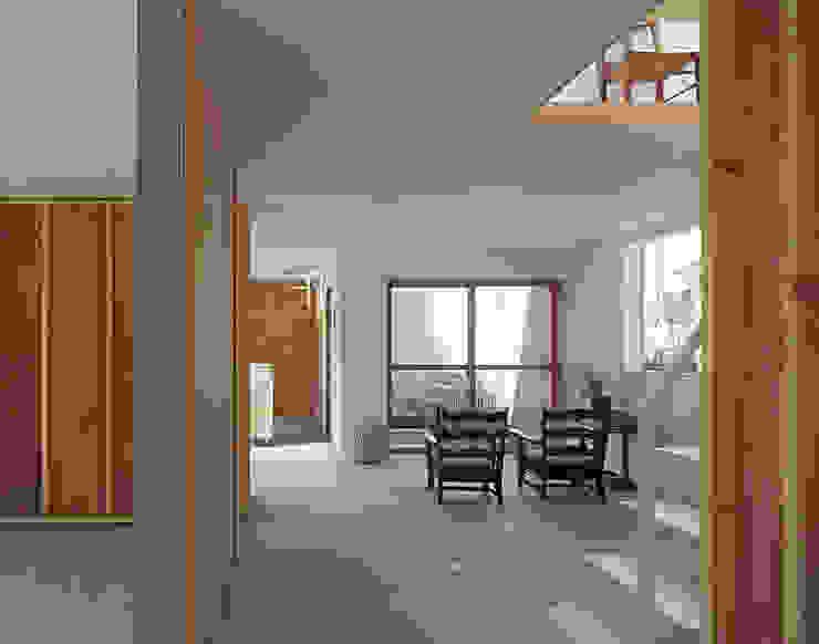 House in Yamasaki Minimalist living room by 島田陽建築設計事務所/Tato Architects Minimalist