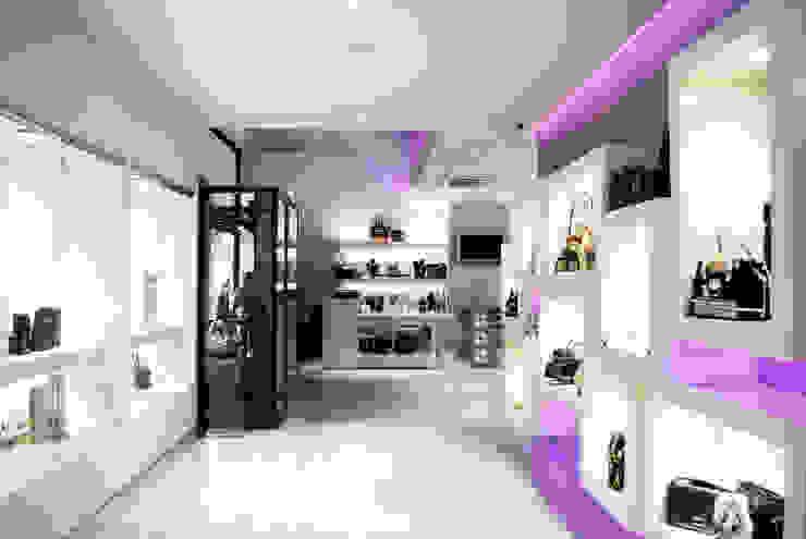 Vista general interior Oficinas y tiendas de estilo moderno de interior03 Moderno