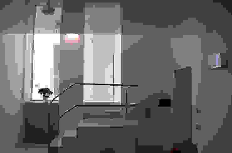 Casa Apice Bellini raffaele iandolo architetto Sala da pranzo moderna
