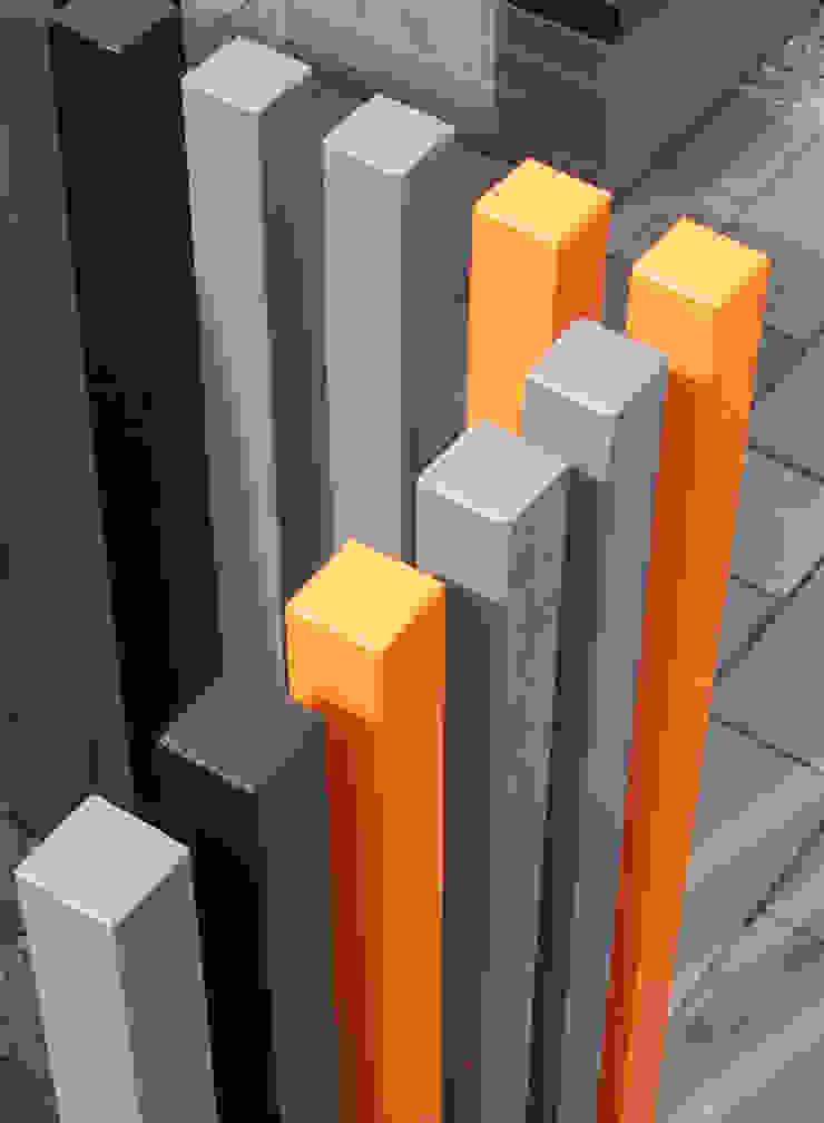 Street Art garden Modern garden by Robert Hughes Garden Design Modern