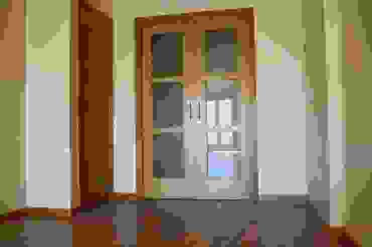 MUDEYBA S.L. Вікна & Дверi Двері