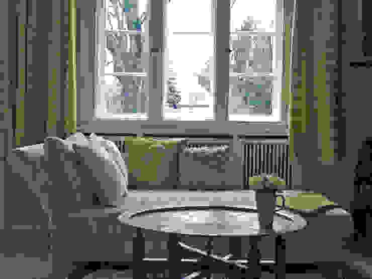 Grüne Retro-Stoffe und orientalischer Tisch Ausgefallene Wohnzimmer von Guru-Shop Ausgefallen