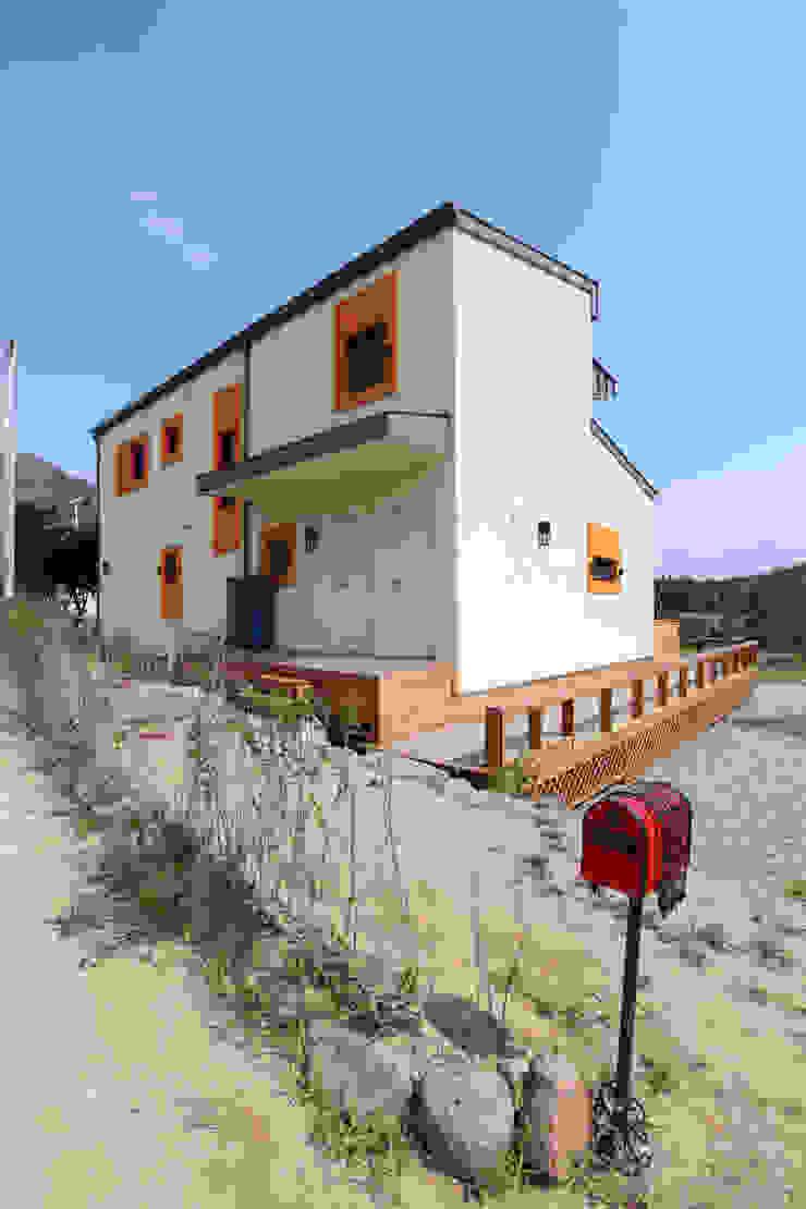 집의 후면 모던스타일 주택 by 주택설계전문 디자인그룹 홈스타일토토 모던