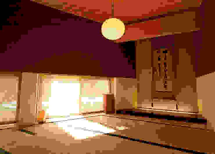 Villa K2 Asian style bedroom by Atelier Boronski Asian