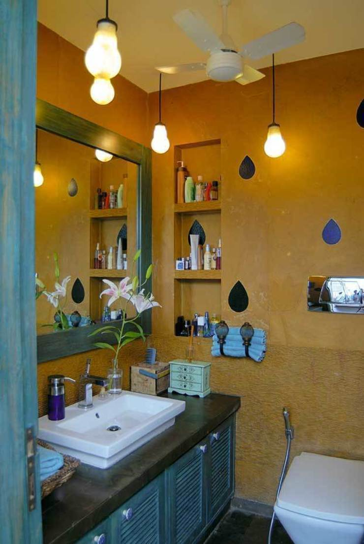 Natural Elements Eclectic style bathroom by The Orange Lane Eclectic