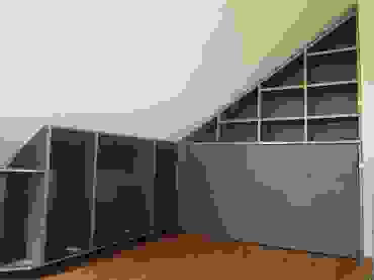 Amueblamiento de Aticos Dormitorios de estilo moderno de SQ-Decoración Moderno