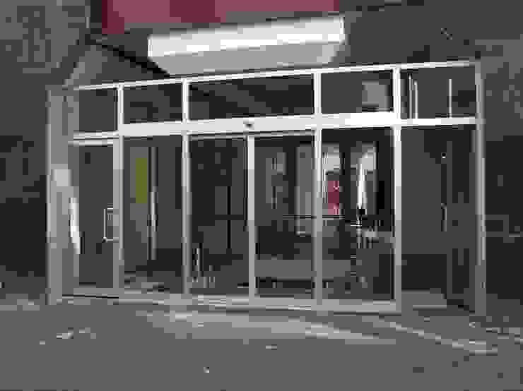 Fotoselli kapı Modern Pencere & Kapılar Kcc yapı dekarasyon Modern
