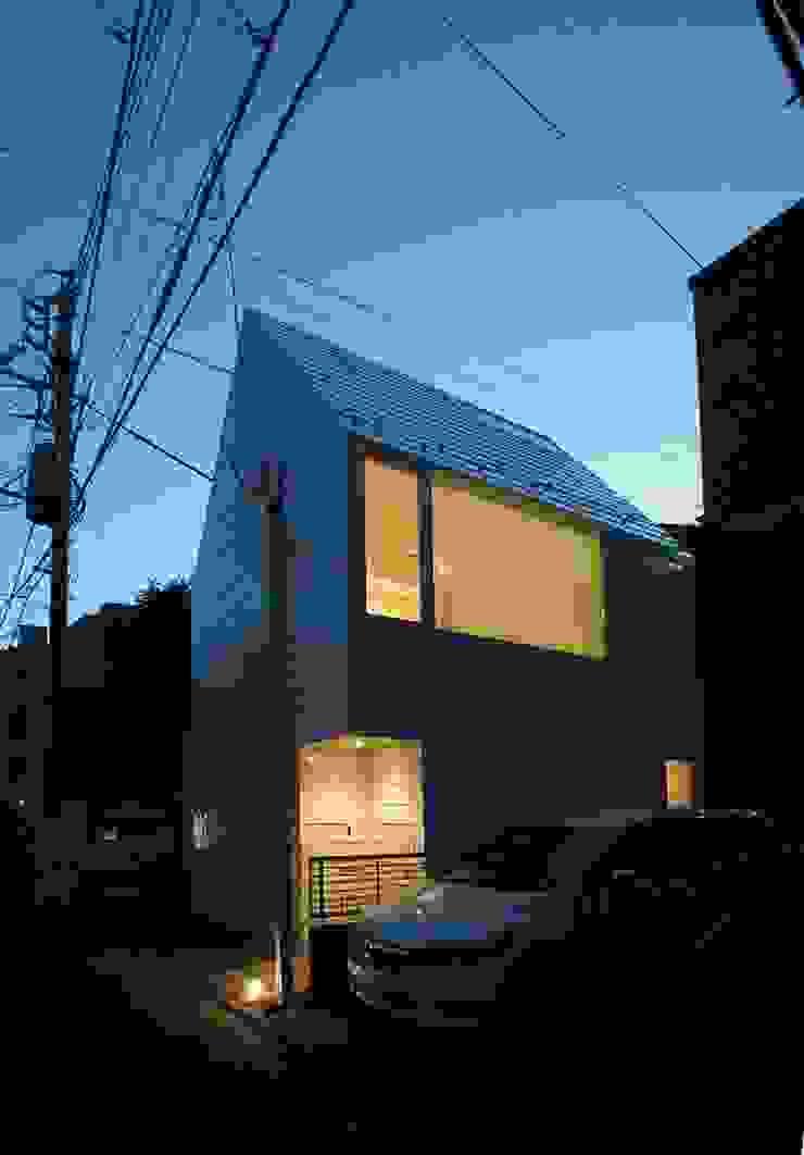 鷹番の長屋 / Townhouse in Takaban ミニマルな 家 の Niji Architects/原田将史+谷口真依子 ミニマル