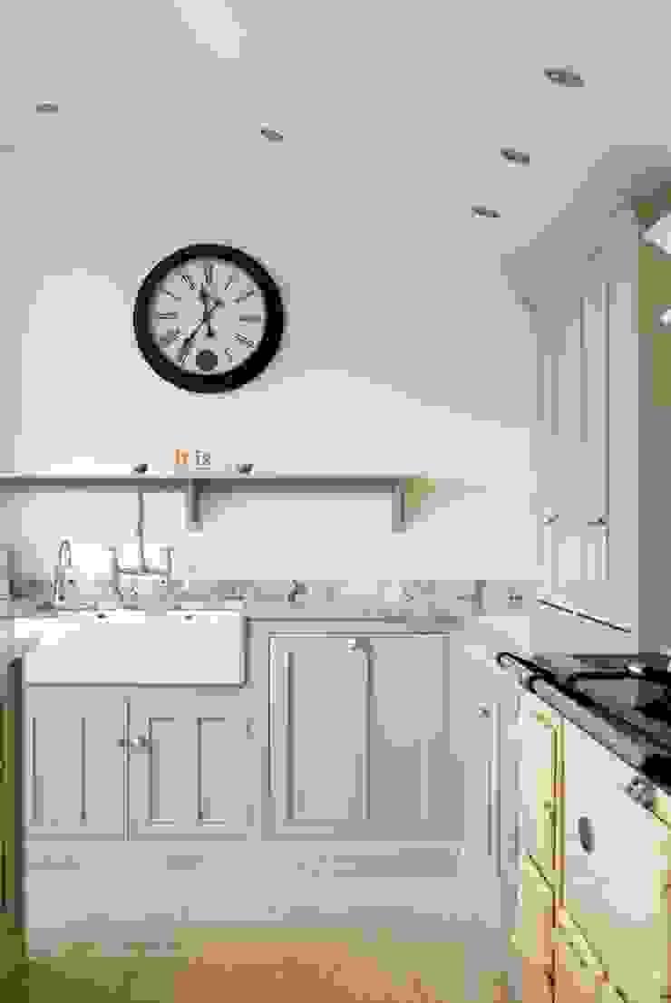 Dijon Tumbled Limestone Classic style kitchen by Floors of Stone Ltd Classic