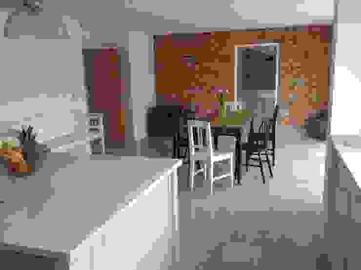 Dijon Tumbled Limestone - Kitchen/Diner Modern dining room by Floors of Stone Ltd Modern