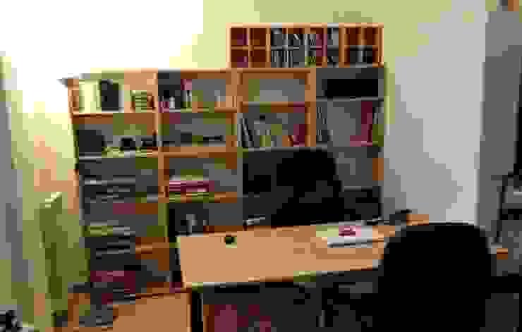 Angolo studio prima Studio moderno di LET'S HOME Moderno
