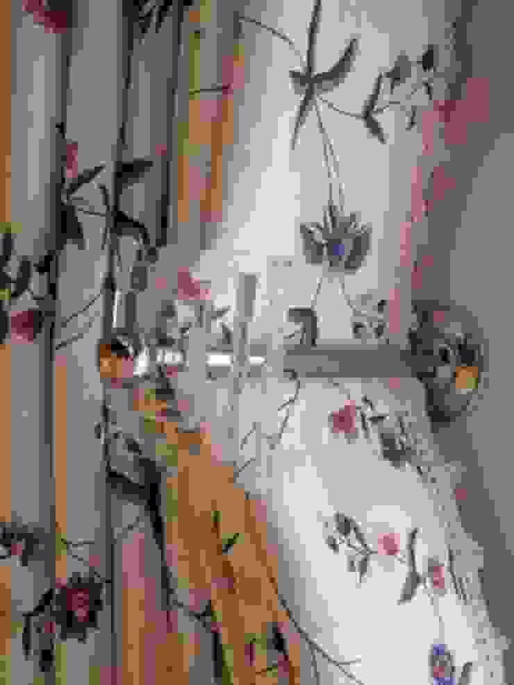 Perspex and Chrome Curtain Holdbacks par Meltons Classique
