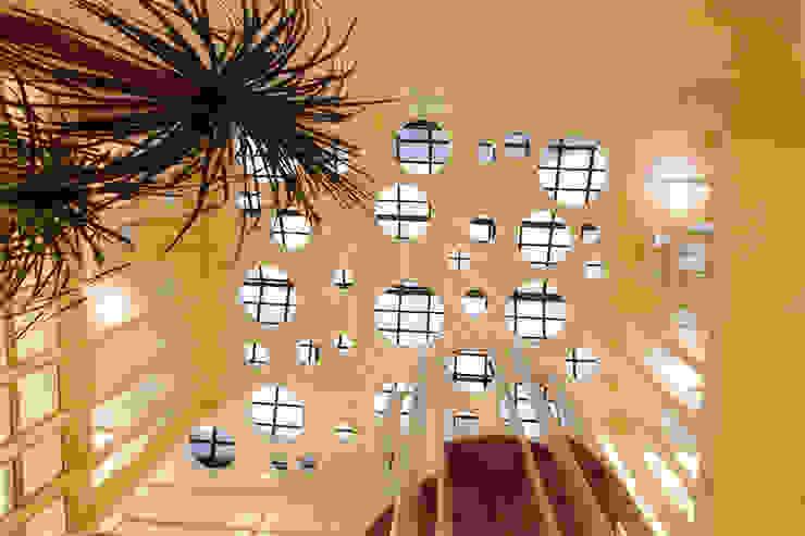 Espaces commerciaux modernes par ARQdonini Arquitetos Associados Moderne