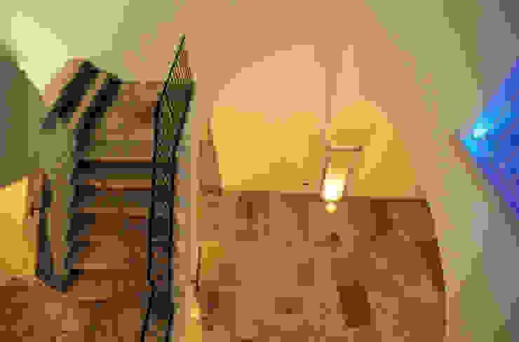raffaele iandolo architetto 玄關、走廊與階梯照明