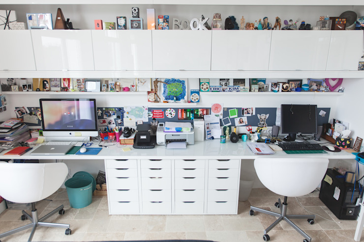 Modern Study Room and Home Office by Lise Compain Modern