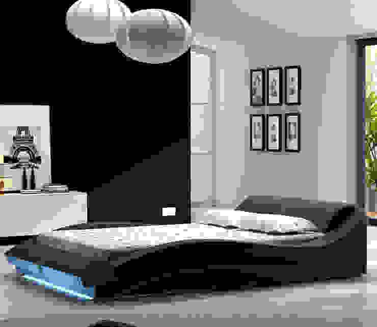 Cama de matrimonio de diseño Vitoria en color negro de homify Moderno