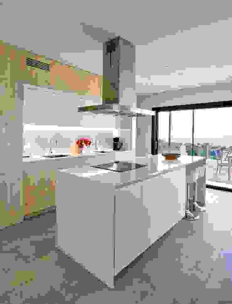 HOUSE HABITAT Dapur Gaya Mediteran