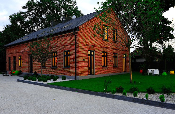 Casas de estilo  de REFORM Konrad Grodziński, Moderno