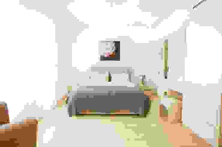 ÖZYALÇIN CONSTRUCTION Classic style bedroom
