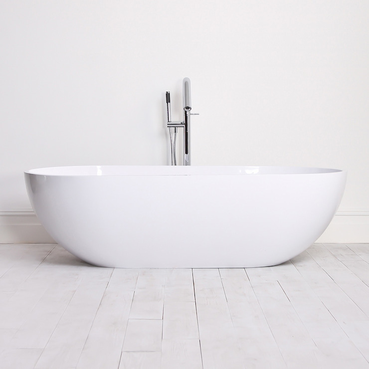 Lusso Stone Picasso Stone Resin Solid Surface Freestanding Bath 1780: minimalist  by Lusso Stone, Minimalist