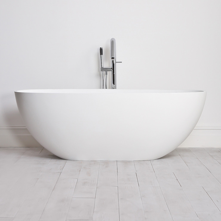 Lusso Stone Picasso Mini Stone Resin Solid Surface Freestanding Bath 1650: minimalist  by Lusso Stone, Minimalist