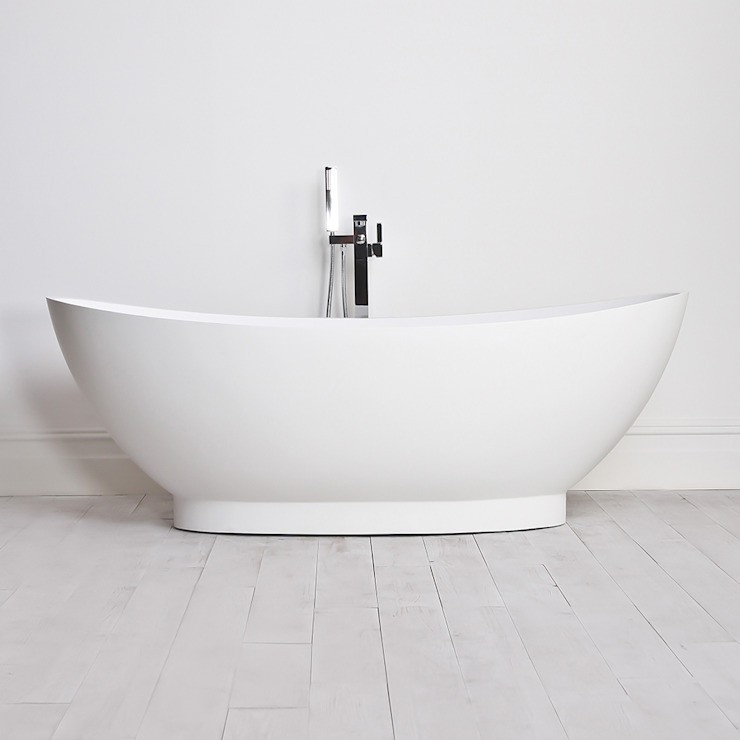 Lusso Stone Oasis Stone Resin Solid Surface Freestanding Bath 1795: minimalist  by Lusso Stone, Minimalist