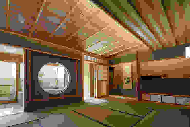 CASA-KARAKARA モダンな 壁&床 の mattch モダン