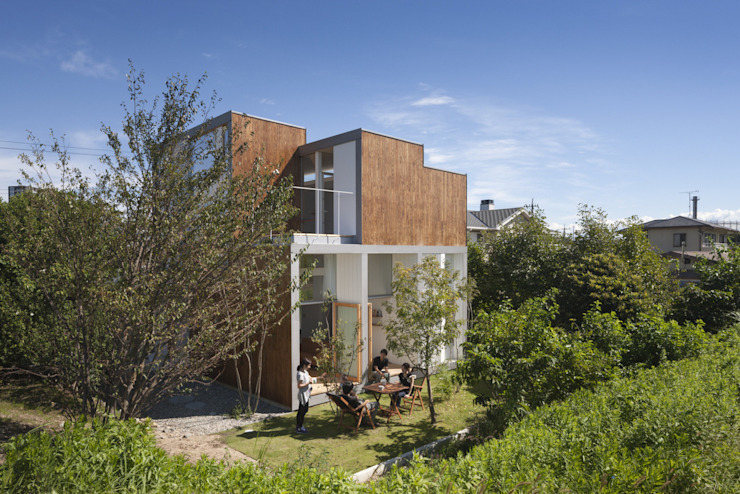 Jardines de estilo  de ihrmk, Moderno