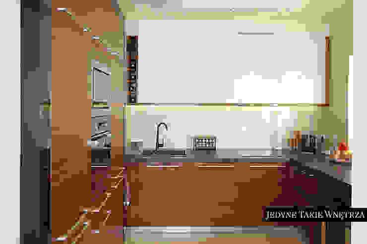 Cocinas modernas de JedyneTakieWnętrza Moderno